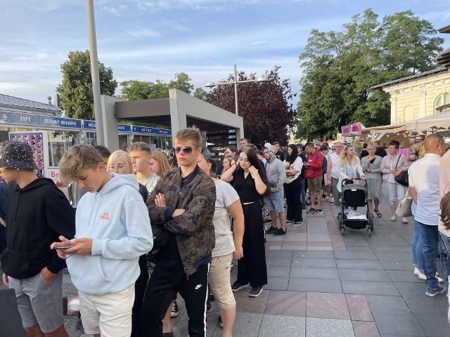 Tłum fanów Żabsona w Międzyzdrojach