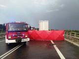 Śmiertelny wypadek na obwodnicy Otmuchowa. Nie żyje kobieta kierująca osobówką. Nowe informacje