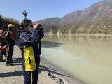 Indie: Oderwana bryła lodowca runęła na tamę, ta pękła, woda zalała dolinę. Są ofiary śmiertelne, 170 osób zaginionych