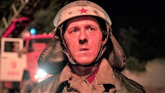 """Dostępny na HBO GO serial """"Czarnobyl"""" (2019) zdobył dwa Złote Globy 2020 i aż 10 Nagród Emmy!"""