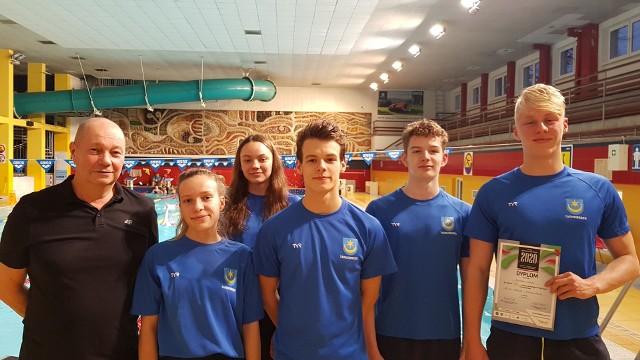 Zawodnicy z klubu UKS Delfin Tarnobrzeg wystąpili na Zimowych Mistrzostwach Polski w pływaniu