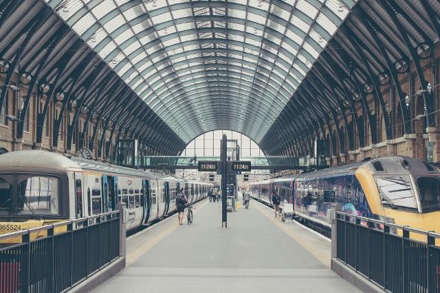 Wsiąść do pociągu byle jakiego… TOP 10 najpiękniejszych dworców kolejowych na świecie. Turystyka kolejowa dla każdego