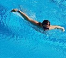 O złotówkę więcej za godzinę kąpieli zapłacą miłośnicy pływania na miejskim basenie w Brzegu. (fot. sxc)
