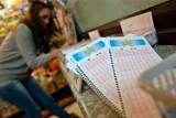 Gdzie padła szóstka w Lotto? 15.10.2016 w Oławie ktoś wygrał 10 mln zł? WYNIKI LOTTO, LICZBY