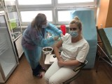 Ruszyły szczepienia przeciwko Sars-CoV-2 w Lublińcu. Kto był pierwszy?