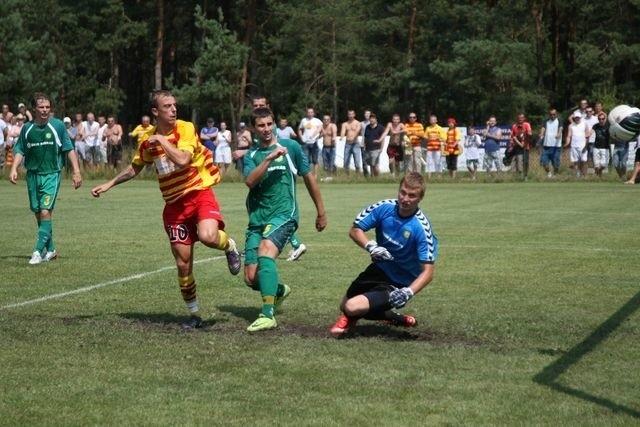 Kamil Grosicki właśnie strzela gola na 3:1 dla Jagi