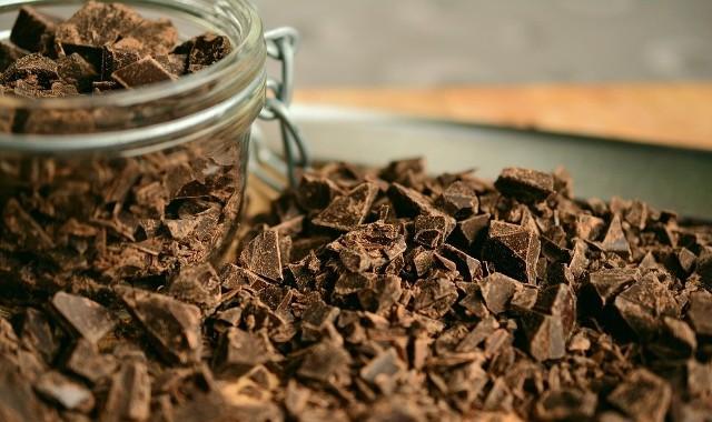 Kilkaset lat temu czekolada pojawiła się w Europie i od tamtej pory nie ma sobie równych. Oprócz wybornego smaku posiada korzyści dla zdrowia