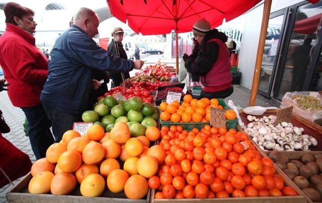 Na Górniaku można kupić bardzo ładne owoce cytrusowe – słodkie i soczyste.
