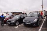 Giełda samochodowa przy ul. Andersa w Białymstoku. BMW, Mercedesy, Audi, Skoda - sprawdź jakie auta można kupić na giełdzie (ZDJĘCIA)