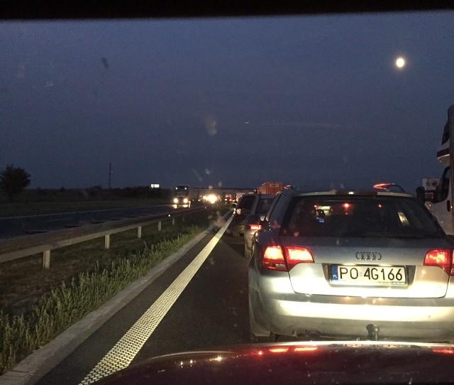 Na autostradzie A4 przy bramkach w Gliwicach tworzą się ogromne korki.