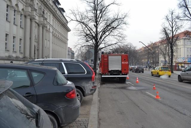Alarm w Sądzie w Gliwicach. Niebezpieczna substancja w paczce pocztowej