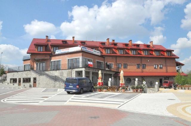 """Hotel Prymus przy ulicy Czarnieckiego w Radomiu będzie najprawdopodobniej pierwszym, który otworzy się na klientów wbrew przepisom dotyczącym """"kwarantanny narodowej""""."""