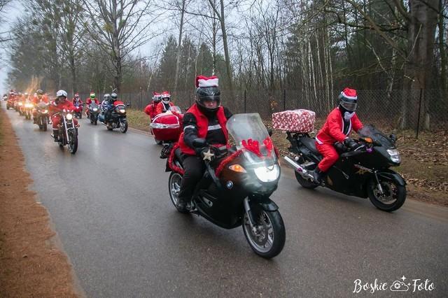 Motocyklista z Białegostoku potrzebuje wsparcia. Ma raka krtani. Od miesięcy nie może pracować. Mieszka w przyczepie kempingowej