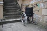 Niepełnosprawna Monika szuka mieszkania do wynajęcia. Dzisiaj musi wyprowadzić się z obecnie zajmowanego