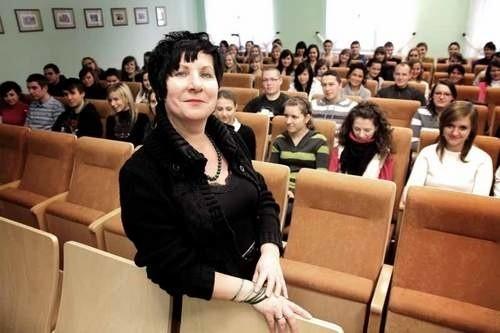 Profesor Nina Siemieniuk to Wykładowca Roku 2010.