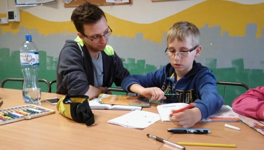Studenckie Pogotowie Lekcyjne ma pomagać dzieciom w nauce
