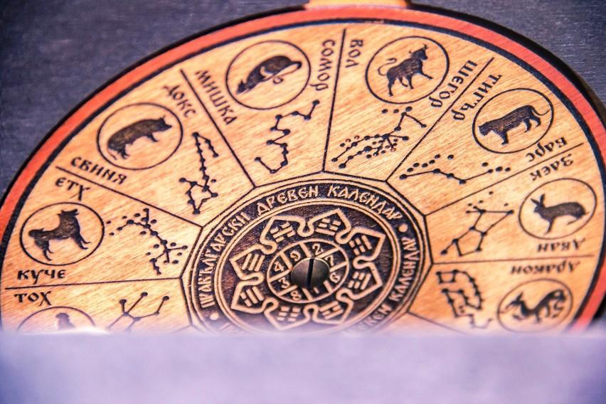 Horoskop dzienny poniedziałek 10 lutego 2020 roku. Co Cię spotka w poniedziałek 10.2.2020 r.? Horoskop dla wszystkich znaków zodiaku.