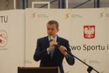 Minister sportu składa ofertę Doruli: Zbudujmy razem dach nad torem lodowym!