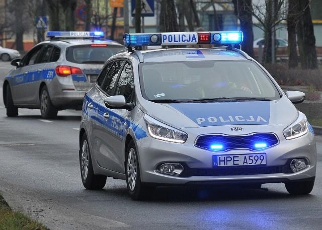 Policjanci ze słubickiej drogówki zatrzymali prawa jazdy dwóm kierowcom.