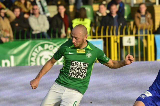 Łukasz Trałka wrócił do składu Warty po zawieszeniu za kartki, ale jego zespół przegrał ze Stalą Mielec. Teraz Zieloni jadą walczyć o komplet punktów do Bełchatowa.
