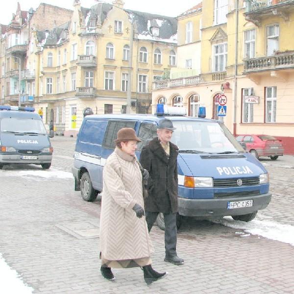 Na ulicy Legionów w Grudziądzu policja jest niemal codziennie, a przechodnie czują się bezpiecznie.