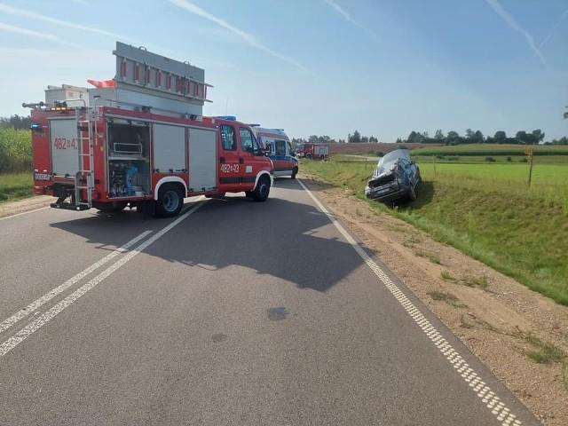 Krugło. Wypadek między Dąbrową Białostocką a Sokółką. Dwie osoby ranne po zderzeniu trzech aut