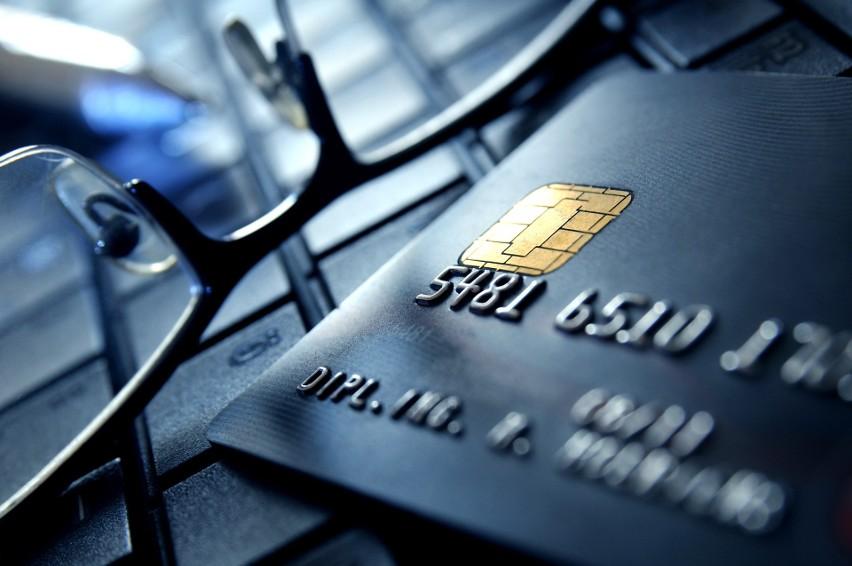 Na rozwój płatności kartą w Polsce znacznie wpłynęło...