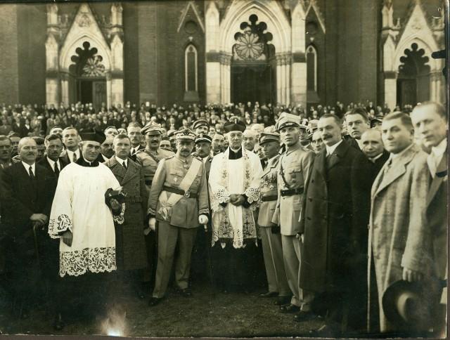 To prawdopodobnie jeden ze zjazdów Związku Hallerczyków w Częstochowie  z udziałem gen. Józefa Hallera