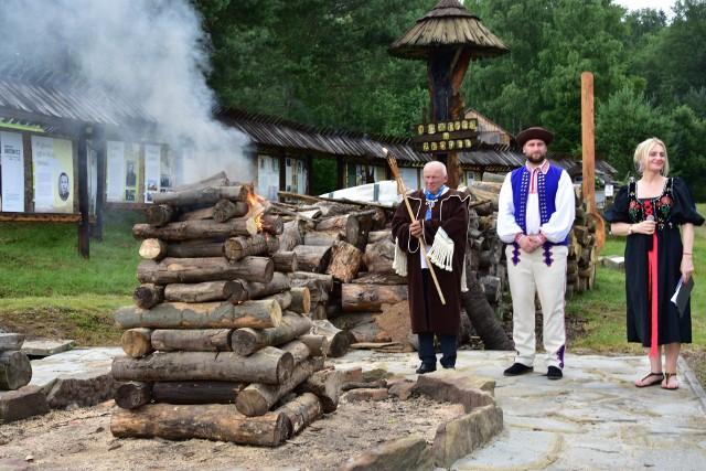 W Zdyni zapłonęła Watra, symbol święta kultury łemkowskiej