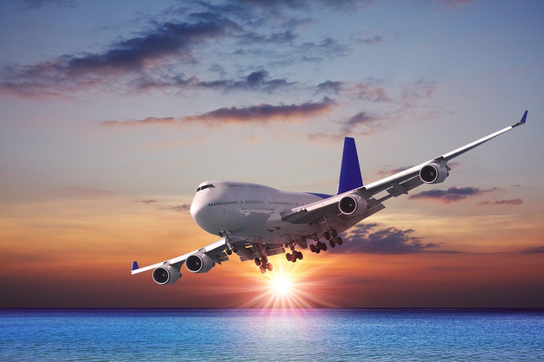 решила показать картинки самолеты в небе над морем изделия