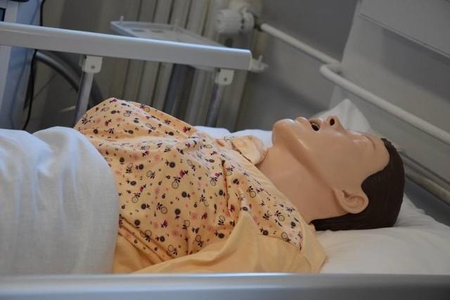 Kierunek pielęgniarski w AJP w Gorzowie z kolejną dotacją z budżetu województwa. W tym roku na funkcjonowanie tego kierunku uczelnia dostanie 800 tysięcy złotych.