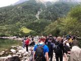 W Tatry w maseczce. Od soboty obowiązek zasłaniania twarzy nawet na szlakach górskich
