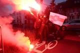 """Protest przed ambasadą Białorusi w Warszawie: """"Wolność dla więźniów politycznych w Białorusi"""", """"Dziennikarz nie jest przestępcą"""""""