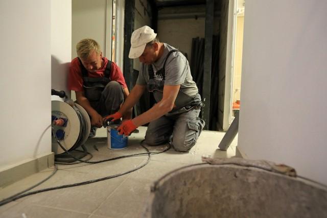 W toruńskich placówkach oświatowych trwają wakacyjne remonty. Na zdjęciu SP nr 10