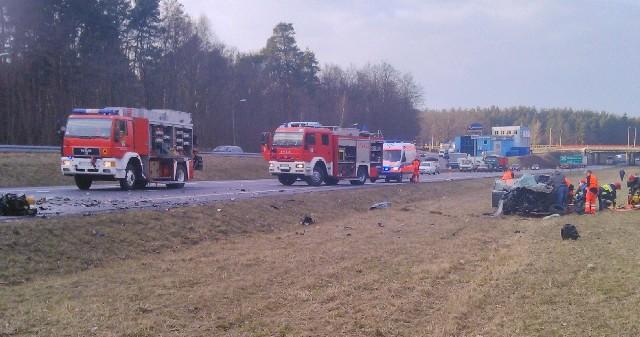 Na trasie S3 na wysokości os. Pomorskiego zderzyły się dwa pojazdy.