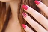 Manicure hybrydowy niebezpieczny dla zdrowia? Czy manicure hybrydowy może powodować raka skóry?