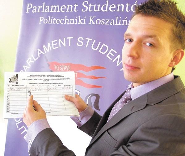 – Popierający akcję będą musieli podać swój pesel, imię, nazwisko, adres i podpisać się na liście – mówi M. Mętlewicz.