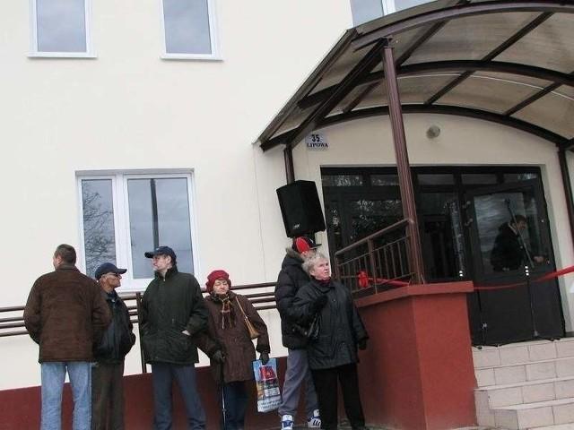 Mieszkańcy GrudziądzaNie wszyscy otrzymują mieszkania w nowo wyremontowanym budynku, jak przy ul. Lipowej 35. Wielu dostaje lokale w kamienicach.
