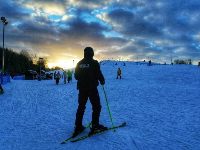Policjanci na nartach będą kontrolować narciarzy. Koniec z piciem alkoholu na stokach
