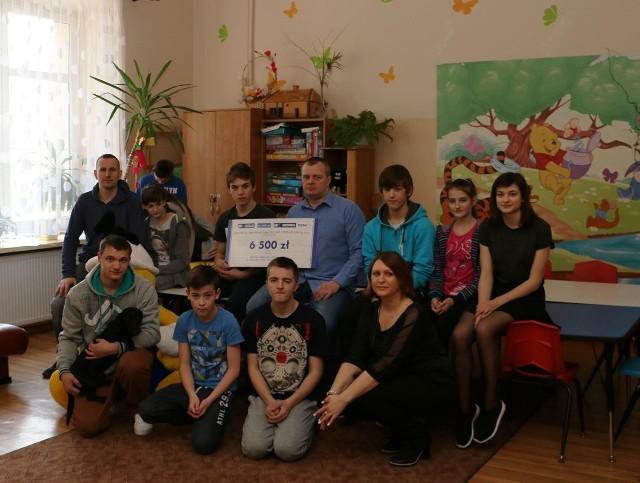 Świąteczne prezenty z charytatywnej licytacji dla domów dziecka od Polskich Składów Budowlanych