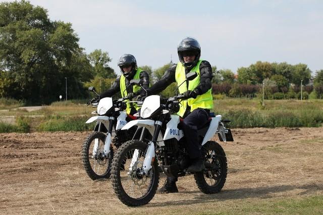 Kierowcy muszą posiadać prawo jazdy kat. B. Z nowego sprzętu, po odpowiednim przeszkoleniu będą mogli korzystać wszyscy mundurowi pełniący służbę w poznańskiej jednostce wodnej.