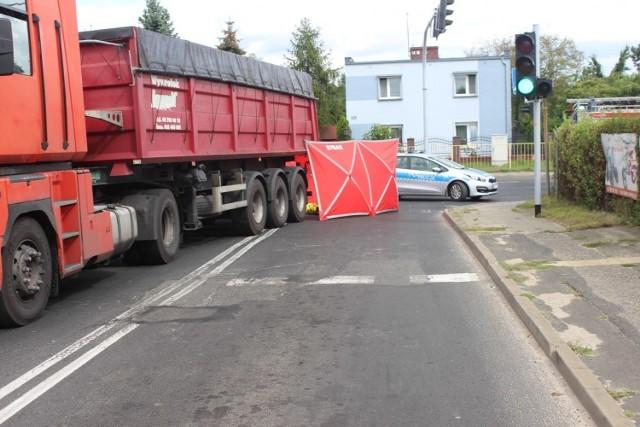 Do tragedii doszło w czwartek, 10 września, około godz. 12.30 na przejściu dla pieszych na skrzyżowaniu ulic Witkowskiej i Wolności w Gnieźnie.Przejdź do kolejnego zdjęcia --->
