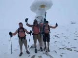 Suche morsowanie. Niebezpieczna moda na chodzenie zimą w góry bez ubrania. Śnieżne morsy z Babiej Góry zabierają głos po wypadku