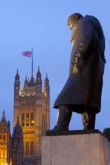Google usuwa zdjęcie Churchilla, a Brytyjczycy chcą się pozbyć jego pomnika w Londynie