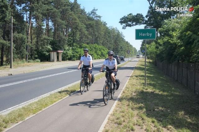 Ruszają policyjne patrole rowerowe w powiecie lublinieckim. Funkcjonariusze otrzymali trzy jednoślady.Zobacz kolejne zdjęcia. Przesuwaj zdjęcia w prawo - naciśnij strzałkę lub przycisk NASTĘPNE