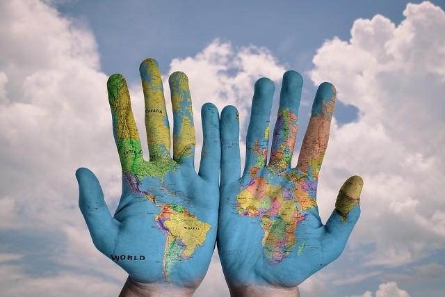 Sprawdź aktualne przepisy wjazdowe oraz dodatkowe informacje w przedstawicielstwie dyplomatycznym kraju, do którego się udajesz