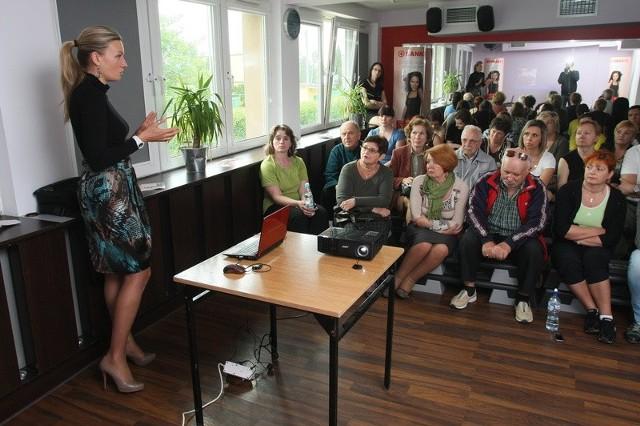 Wykładu doktor Katarzyny Krekory-Wollny wysłuchała peł-na sala. Słuchacze mieli też wiele pytań do ekspertki w dziedzinie zdrowego odżywiania.