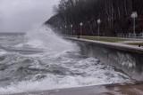 Załamanie pogody na Pomorzu 22.04.2021. Synoptycy ostrzegają przed nagłym ochłodzeniem i sztormem