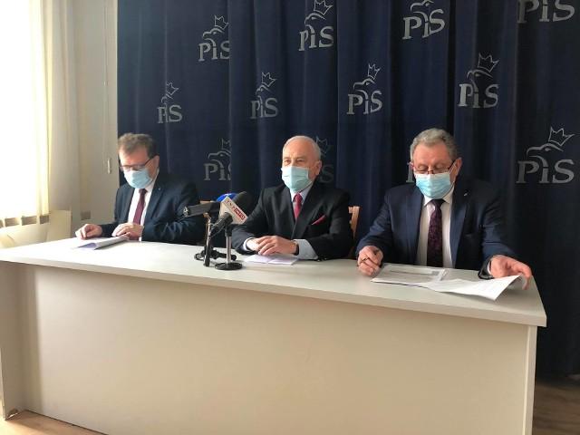 Na zdjęciu od lewej Piotr Babinetz, Andrzej Szlachta i Tadeusz Chrzan.