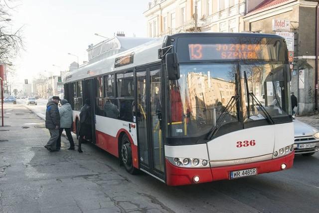 Autobus linii numer 13 pojedzie od soboty ulicą Kosowską.